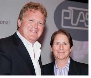Matthew Griffiths, CEO de PLASA y Lori Rubinstein, directora ejecutiva de ESTA