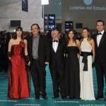 Julio Fernández, presidente de Filmax, rodeado del equipo de Castelao Films