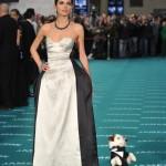 La Miss María Ruíz con el perro Pancho