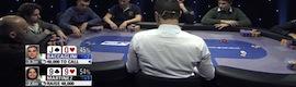 wTVision invita a los visitantes a jugar una mano de póker en el stand de la compañía en NAB