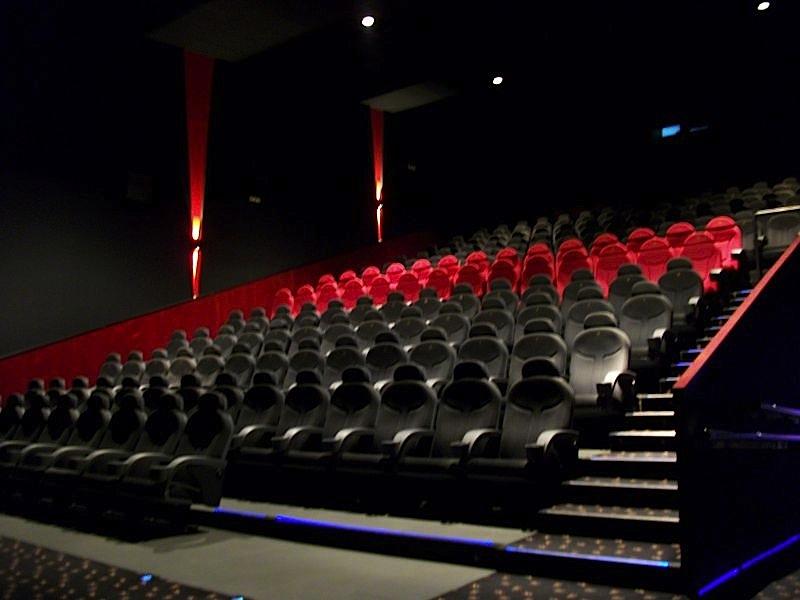 M s de la mitad de las salas de cine en espa a ya est n - Fotos de salas de cine ...