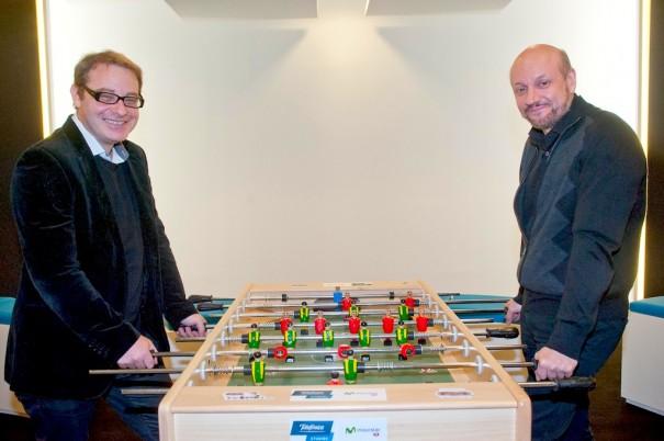 Axel Kuschevatzky, director de Telefónica Estudios y Juan José Campanella, director de la película 'Futbolín'