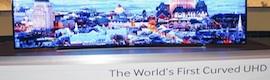 Samsung presenta en CES 2014 su mayor televisor curvo en Ultra Alta Definición