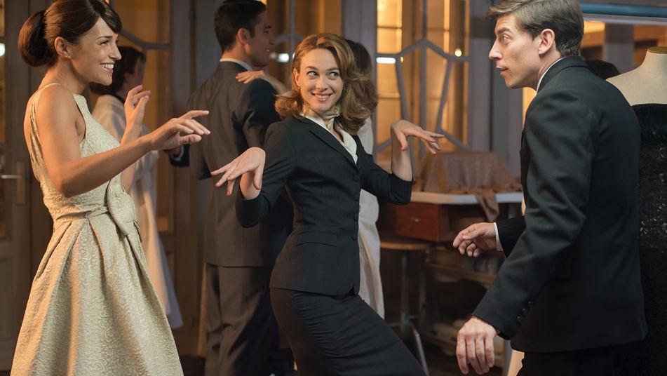 Antena 3 renueva con bamb producciones una nueva - Velvet de antena 3 ...