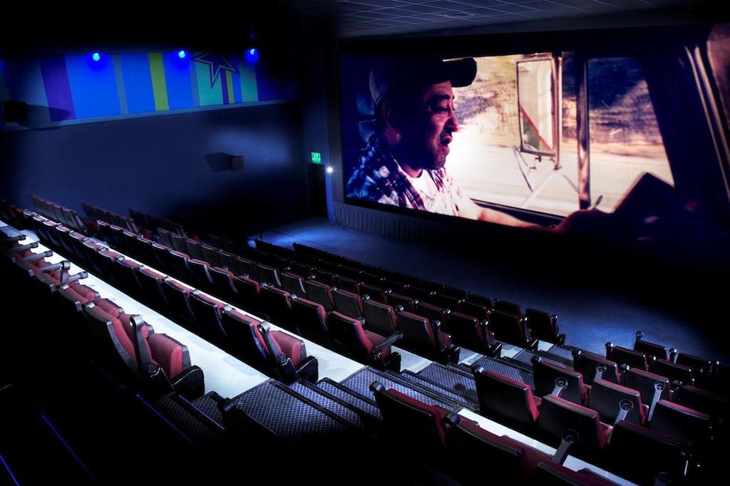 Cinemagic digitaliza sus salas en m xico con christie - Realizzare sala cinema in casa ...