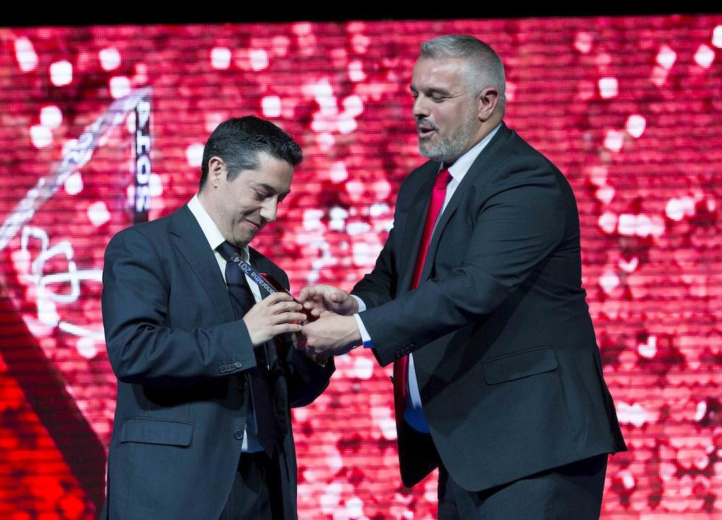Oscar Mezquita (Riedel) recoge el Premio Panorama 2014 a la empresa del año