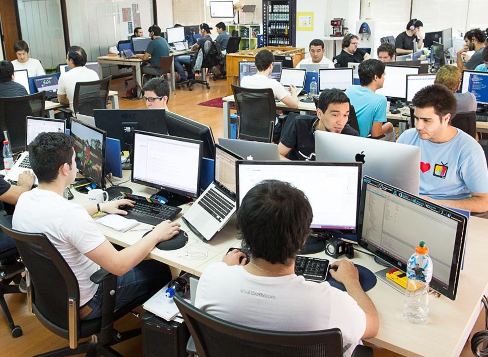 Smartbox tv abre oficina en colombia for Internet para oficinas
