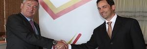 El presidente de RTVE visita en Puerto Rico las instalaciones del nuevo canal de televisión VIVE