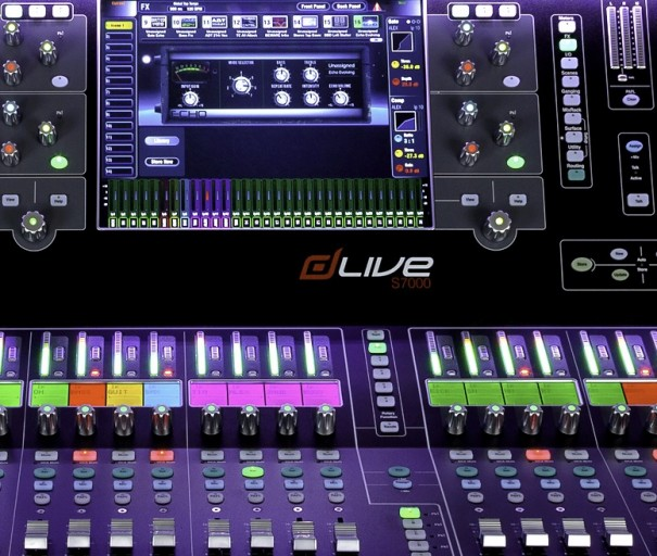 Allen & Heath con dLive S7000