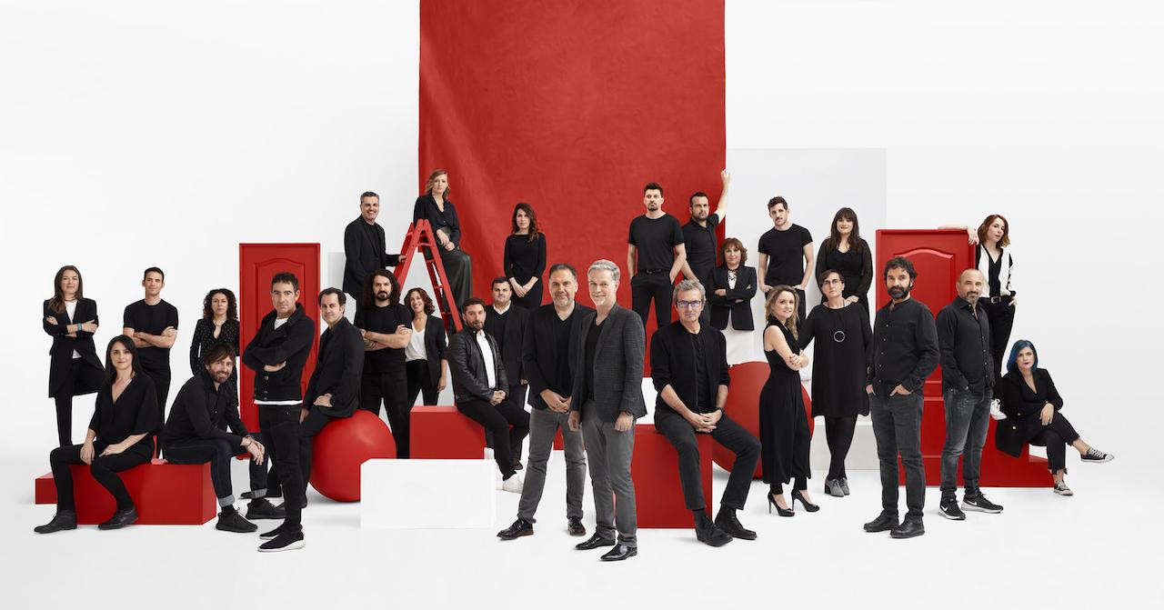 Reed Hastings inaugura a primeira sede de produção européia