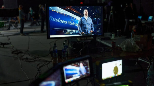 Mo-Sys - Papertown Avión Virtual